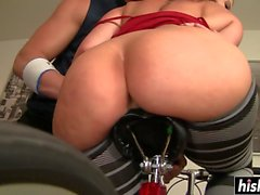 Riding a dick makes Sara moan loudly