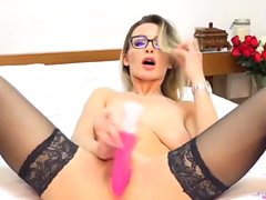 Nerdy Blonde Babe Dildo Fuck Her Pussy