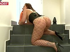 LETSDOEIT - Brunette Thot DPed By Best Friends