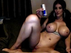 Perfect boobs babe fingering her pussy