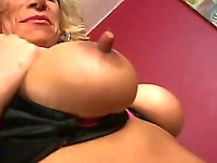 Mature housewife longs for sex